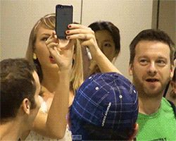 When she forgot how phones work. | 27 Times Taylor Swift Failed So Hard She Almost Won