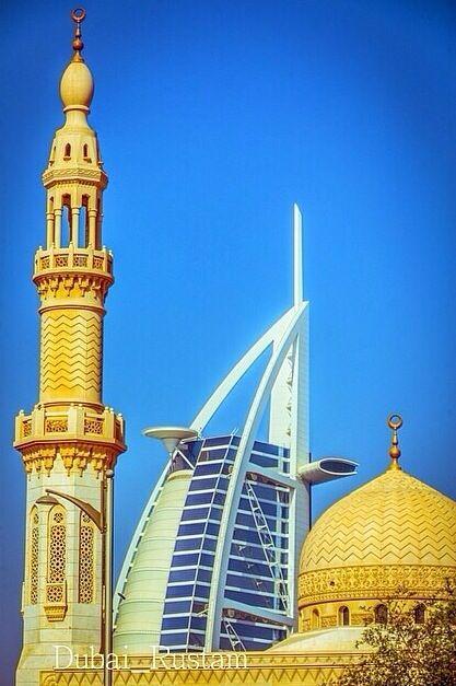 Meczet Jumeirah i Burj al Arab, Dubai, Zjednoczone Emiraty Arabskie. Tutaj można zakupić tanie bilety: http://dubaj.skyfly.pl/.