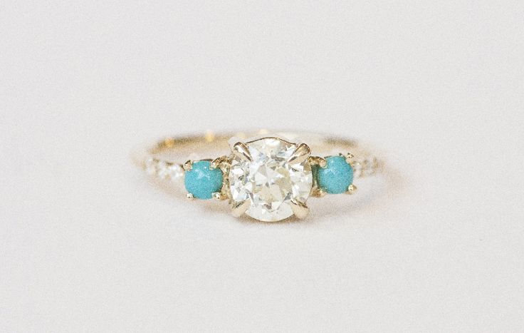 OLD MINE DIAMOND AND TURQUOISE CABOCHON RING Image