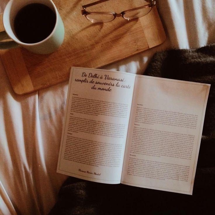 Depuis janvier dernier, le cahier accompagnateur de nos coffrets littéraires est amélioré. Il contient maintenant un total de 16 pages, ce qui nous permet de vous offrir dorénavant une entrevue avec l'artisan du produit local sélectionné au sujet d'entrepreneuriat et de processus créatif. Il s'agit d'une valeur très chère au Fil Rouge de vous faire découvrir des artisans locaux et ce petit ajout nous permet d'encore plus le souligner l'importance d'acheter local. Une fileuse a aussi toujours…