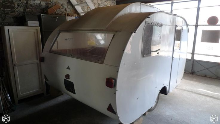 AV ancienne caravane Baillou, années 50 (- 500 kgs