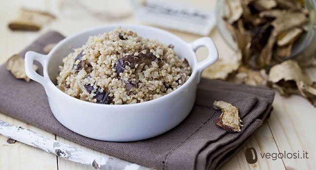 Più che una ricetta questo è un concentrato di salute e buone proprietà: funghi Shiitake e quinoa insieme per un piatto davvero eccezionale e facile da preparare: ecco la ricetta di Vegolosi.it!