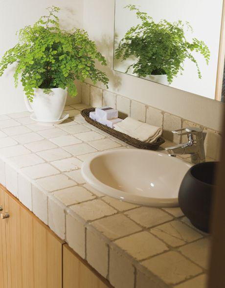和モダンの洗面カウンター。大理石のアンティークタイルを使いました。|おしゃれ|かわいい|造作洗面|洗面室|洗面台|洗面ボウル|収納|タイル|洗面|カウンター|