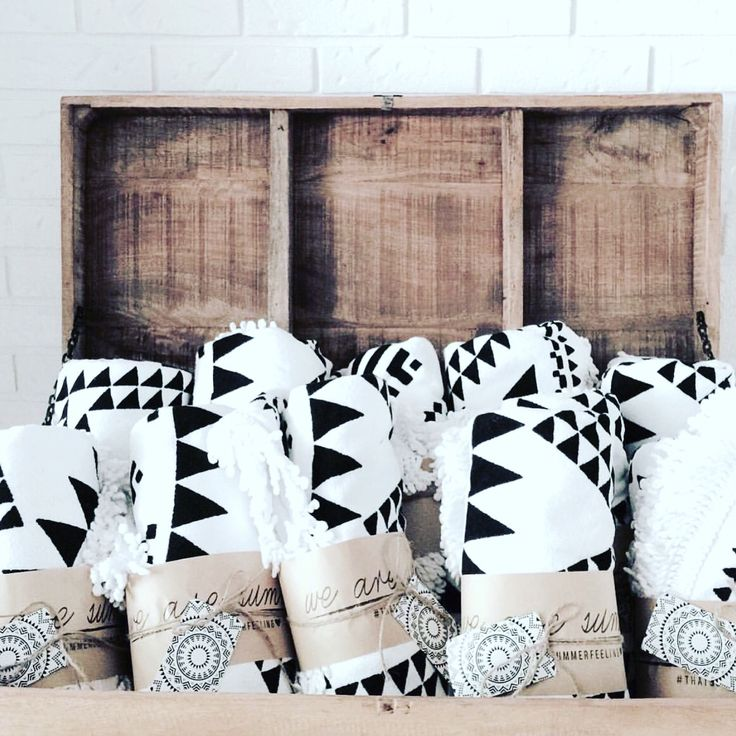 Marfa Throw available via www.we-are-summer.com | Wholesale & retail | Shipping to Canada & USA | Retail $120 CAD ~ $85 USD
