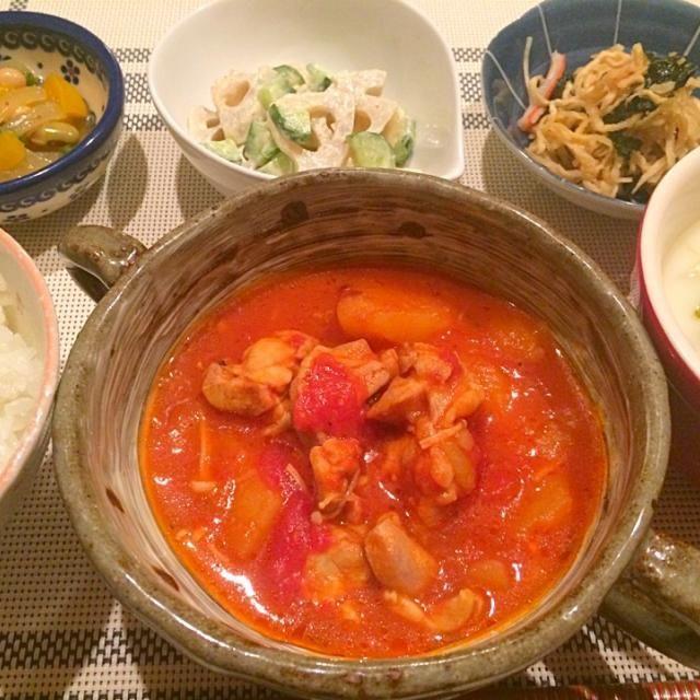 今日の夕飯~ ☆鶏肉のトマト煮 ☆切り干し大根と海苔の麺つゆごま油和え ☆れんこんときゅうりの梅マヨサラダ ☆パプリカと豆のマリネ ☆キャベツの豆乳スープ - 19件のもぐもぐ - 圧力鍋でホロホロ鶏肉のトマト煮(*ˊૢᵕˋૢ*) by airi-n