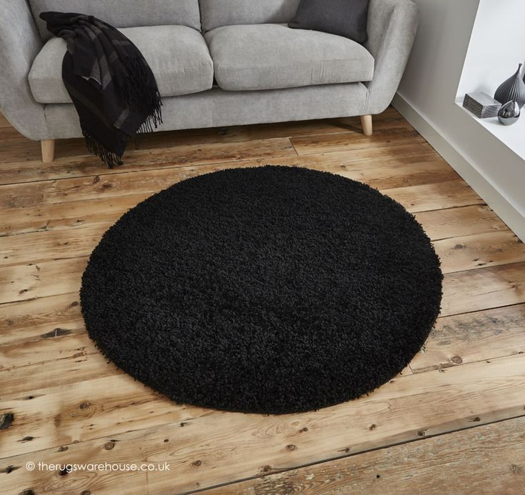 Vista Black Circle Rug, soft synthetic modern shaggy rug (100% polypropylene, machine-woven, 133cm (4ft4' Circle)) http://www.therugswarehouse.co.uk/round-rugs/vista-circle-rugs/vista-black-circle-rug.html