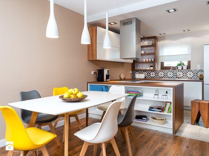 szeregówka po duńsku - Średnia otwarta jadalnia w salonie, styl skandynawski - zdjęcie od RedCubeDesign projektowanie wnętrz