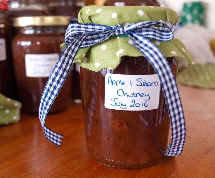 Apple and Sultana Chutney by tastyshoestring.com
