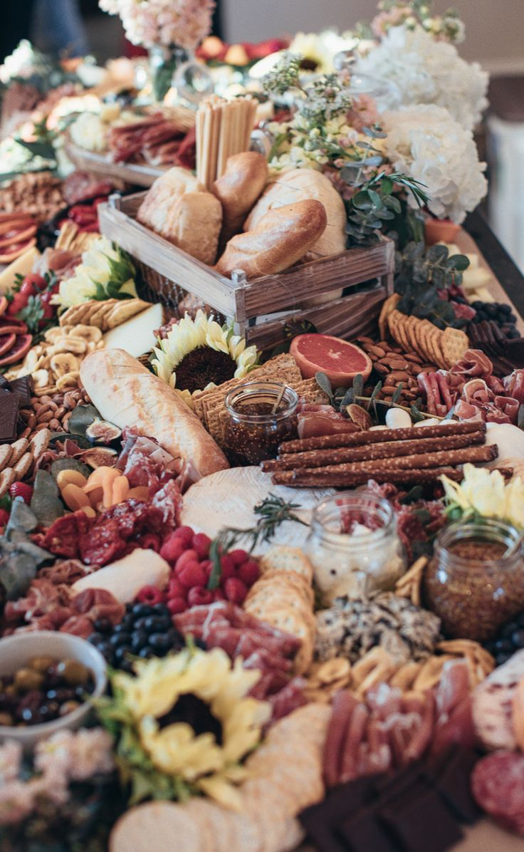 Kaltes Buffet Ideen Geburtstag Brpt Obst Fleisch Crackers Blumen