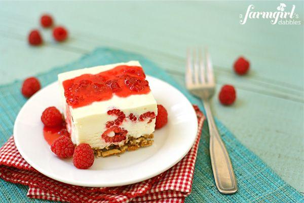 frozen white chocolate & raspberry dessert - a farmgirl's dabbles