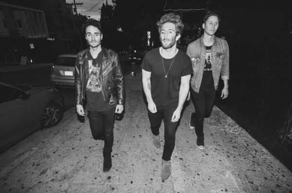 """Smallpools Release New Track """"Passenger Side""""https://www.divinemagazine.biz/smallpools-release-new-track-passenger-side/ @smallpools #music"""