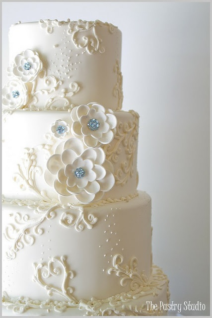 Stunning simple cake with a touch of elegant bling. 9 Beautiful Wedding Cake Inspirations
