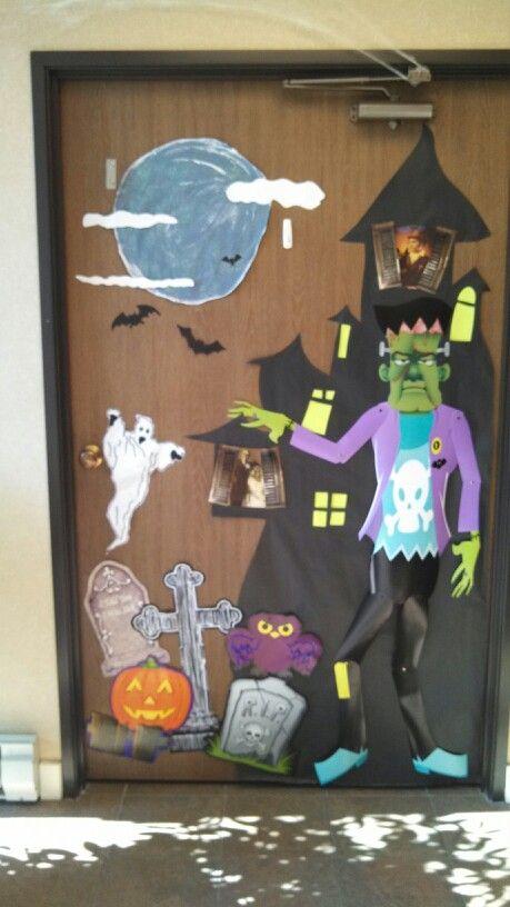 Halloween door halloween pinterest brujas for Puertas decoradas halloween