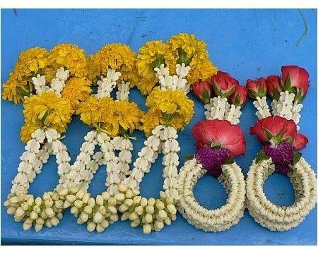 Fresh Flower Bangles (2) | Trendy Mods.Com