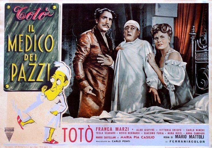 """Mario Castellani, Totò (Antonio De Curtis) and Franca Marzi - Lobby card for Mario Mattoli's comedy """"Il medico dei pazzi"""" (Italian title: """"The Doctor of the Mad"""", 1954)."""