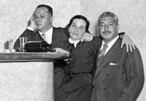 Na boate Casablanca, em 1952, Antonio Maria com Aracy de Almeida e Dorival Caymmi