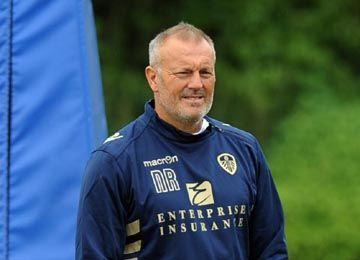 Neil Redfearn yang mengabdikan diri untuk membina pemain muda Leeds.