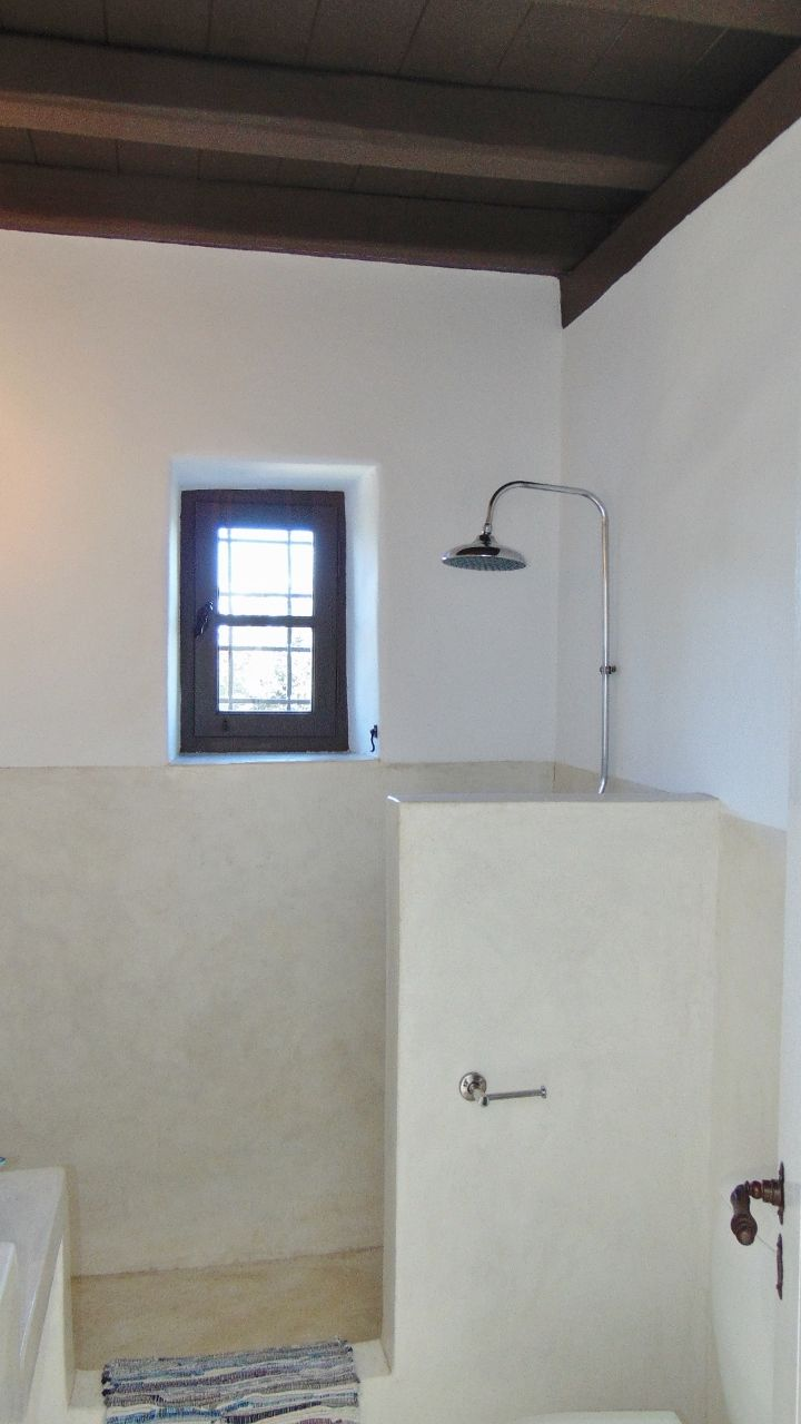 White Suite - bathroom