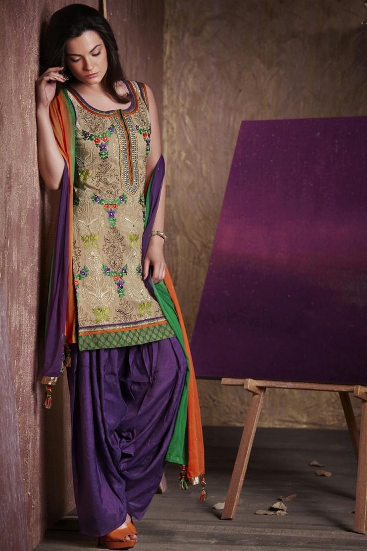 Dual color salwar kameez giving royal look