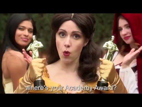 CENICIENTA vs BELLA: Princess Rap Battle (Audio en Español) - YouTube