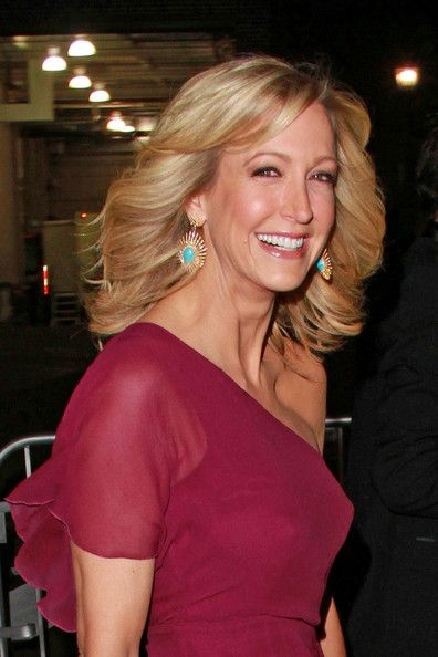 Lara Spencer . Love her hairstyle!