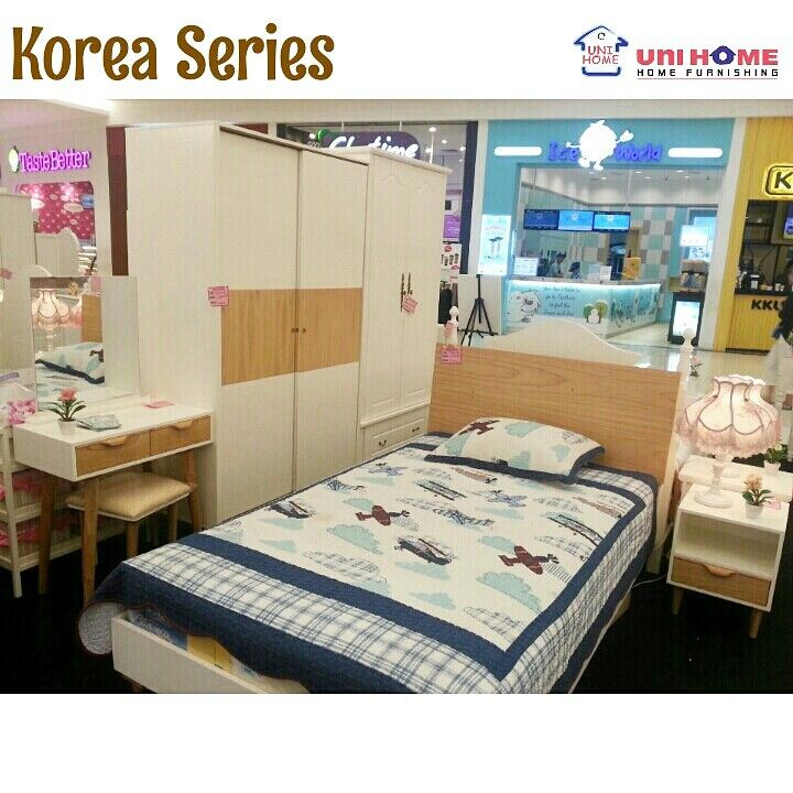 Have you found our newest collection? Visit us at our showroom♥  In photo: Bedroom Set Korea Series; - Korea Bed: Bed uk 120x200 - Korea Wardrobe 2 door (sliding): W120 X D60 X H200 CM - Dressing Table Korea: W70 X D40 X H136 CM - NS Korea (nightstand): W40 X D40 X H50 CM