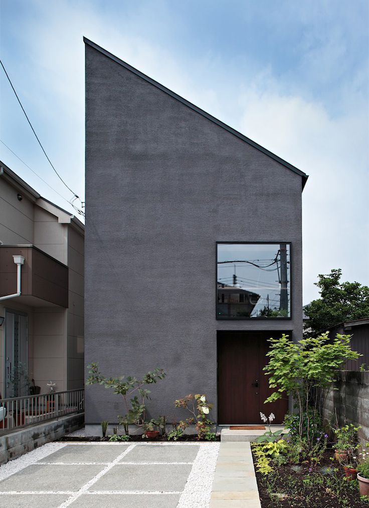 due to the high land prices of tokyo, this dwelling explores the habitation of typically ignored parts within a residential building including the roof space above the ceiling and area under the floor.