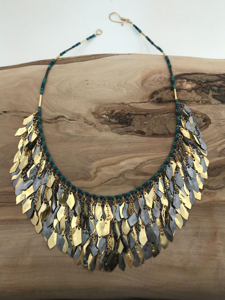 Helen of Troy Fringe Necklace coral&goldplated
