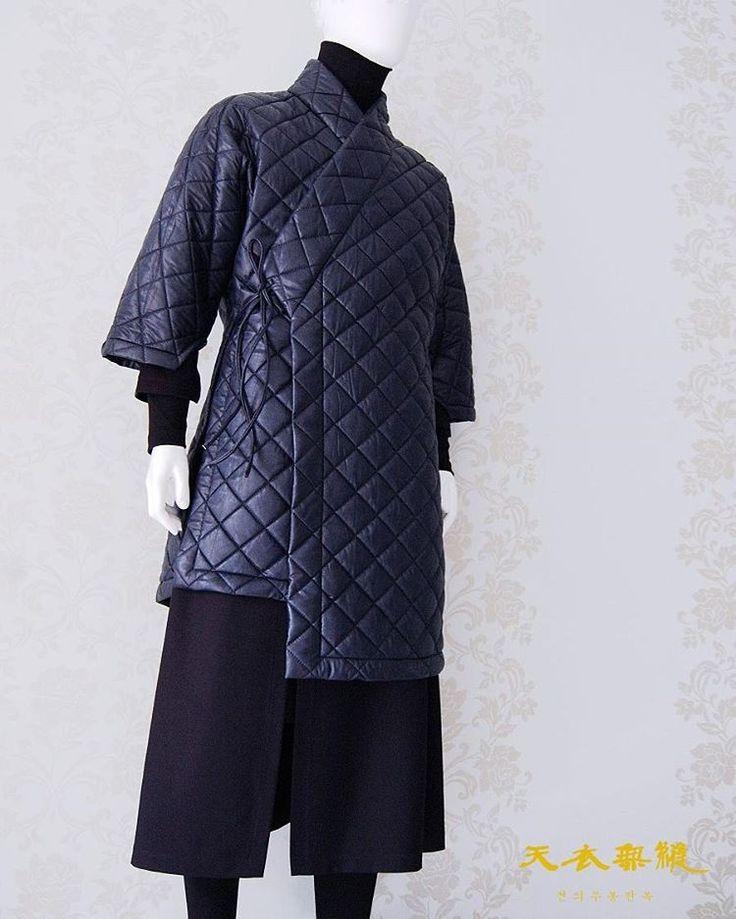 #남자생활한복 디자인 언밸런스 도련 M 두루마기 위 작품은 199,000 (vat218,900) 디자인 카피보다는 많은 응원과 사랑…