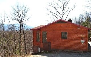 Deer Path: Very #Secluded and spacious #One #Bedroom suite with all the amenities including a fully equipped large kitchen, regulation #Pool #Table plus a large bonus #Sunroom. #Hot #Tub is #Private with outstanding views. #Fun #Family #SmokyMountains #Vacation #View