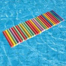 Les 25 meilleures id es concernant radeau sur pinterest for Accessoire piscine sollies pont