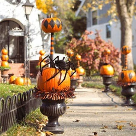 Books arranged by color . Painting Pumpkin, Pumpkin Topiary, Halloween Crafts, Halloween Pumpkin, Pumpkin Topiaries, Pumpkin Carvings, Halloween Decor Ideas, Big Spiders, Front Porches