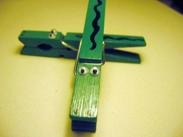 30+ Easy, Upcycled and Creative - DIY Clothespin crafts idea
