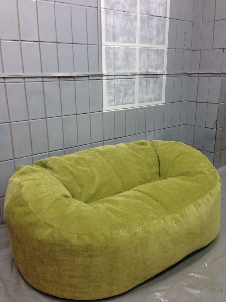Бескаркасный удобный диван Lounge от Bruni.  Держит форму даже без каркаса! Только с печи!)