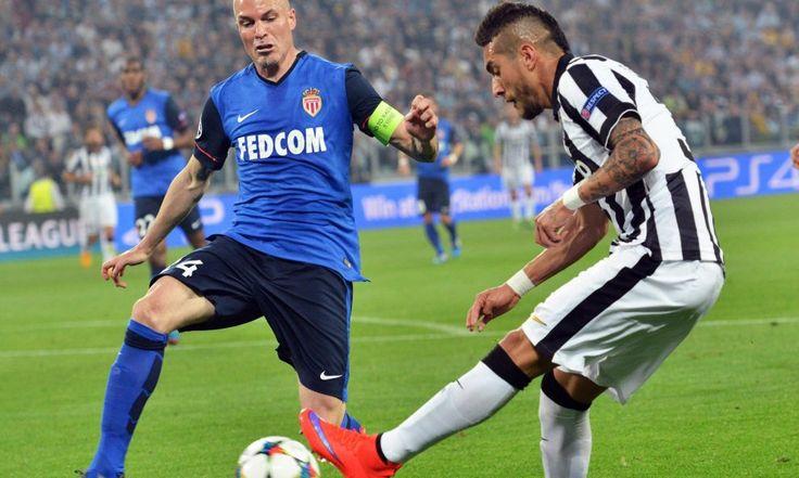 E' il gol segnato su dischetto da Vidal al 57' a regalare il primo round dei quarti di finale di Champions League agli uomini di Allegri