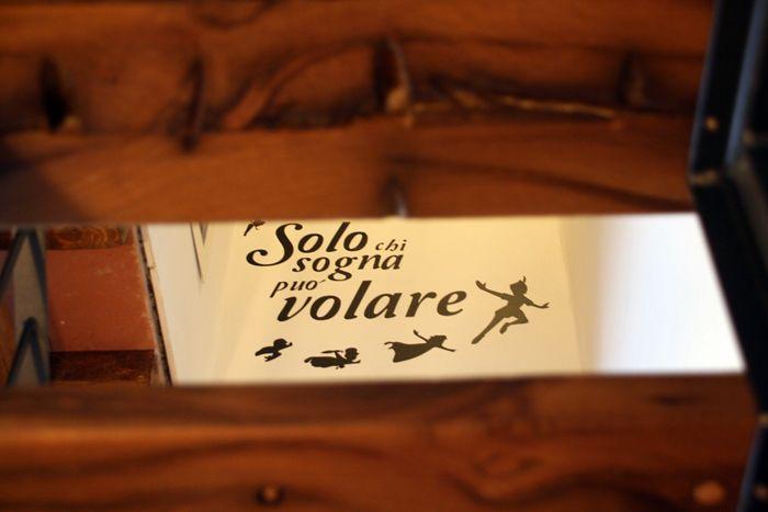 Da Peter Pan: solo chi sogna può volare... il nostro adesivo murale per la camera delle bimbe