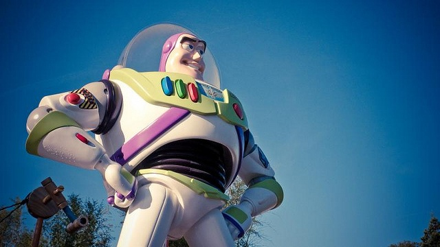 Paris disneyland buzz lightyear