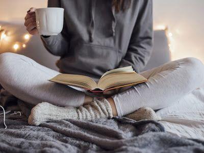 Hay montones de ideas preconcebidas sobre las personas que como nosotros (¡y ustedes!) son adictas a la lectura y hoy hemos decidido recop...