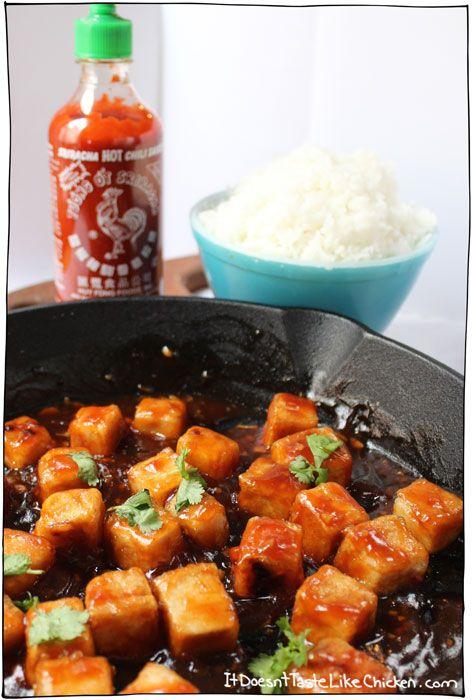 Sweet and Spicy Sriracha Tofu. Um, yes please. #itdoesnttastelikechicken