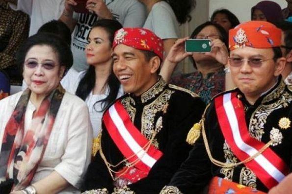 TODAYINDO  - Gubernur DKI Nonaktif Basuki Tjahaja Purnama mencoba untuk membela pendahulunya, ya...