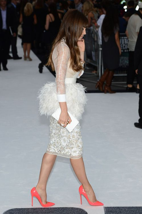 ostrich feather skirt - Jessica Biel