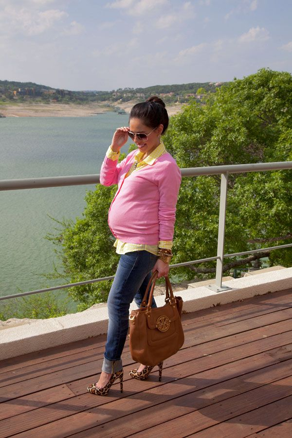 Maternity Fashion- Pink Lemonade (27 Weeks) She could have even cinched it up with a belt for a more defined look.