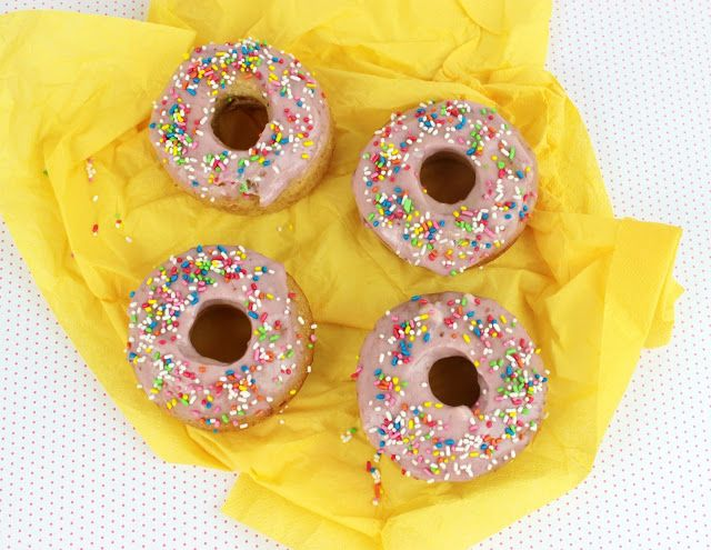 Honey Baked Donuts with Strawberry Glaze!!!  Yummy and easy to make Donuts with Honey and Strawberry Glaze, perfect to taste them with a glass of Cold Milk!  #yummy #food #recipe #donut #healthyfood #breakfast #easyrecipe