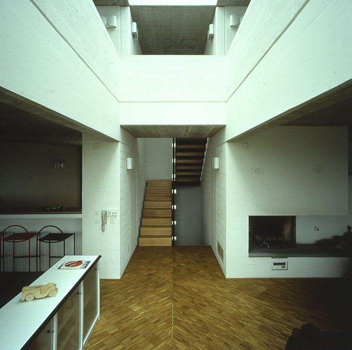 Casa rotonda by Mario Botta, Stabio, Svizzera 1981-1982 - Photo Alo Zanetta © Courtesy Mario Botta Architetto
