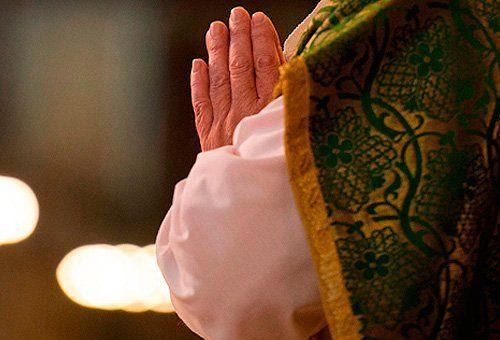 VOCACIONES, UN PADRE Y UN HIJO SE ORDENAN SACERDOTES DE DIOS.