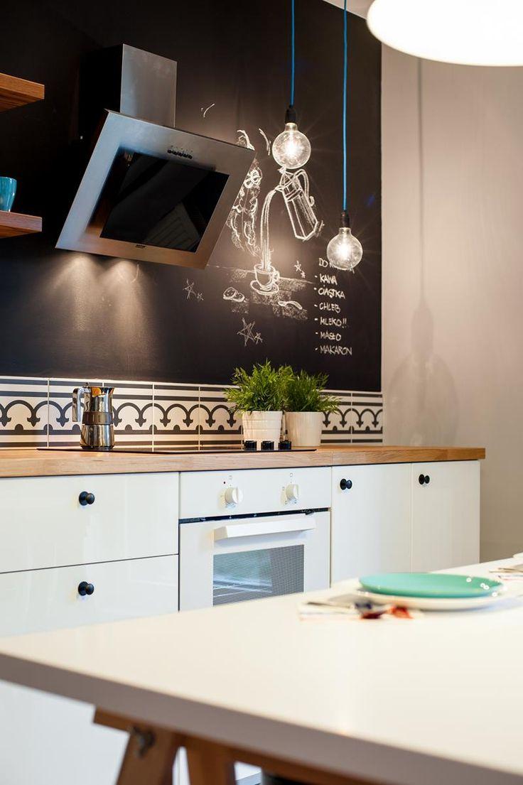 החיים בשחור ולבן: עיצוב מינימליסטי לדירה בפולין   בניין ודיור