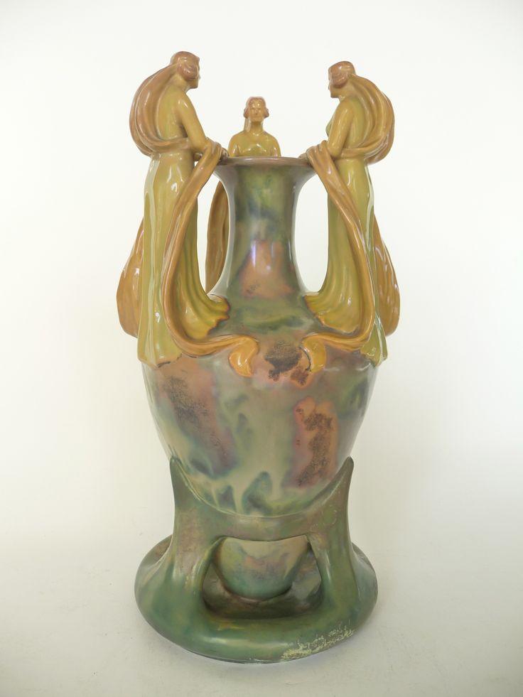 .: Blutige Vase...