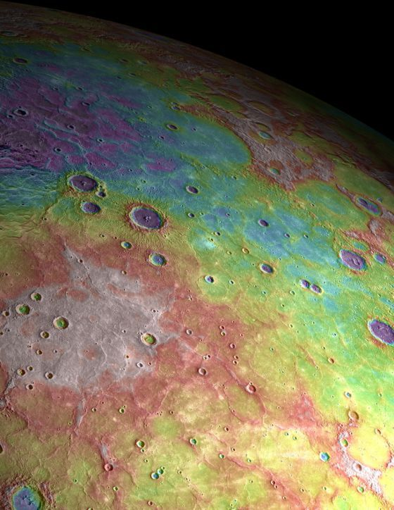 Picture of the northern hemisphere of Mercury taken by the Messenger spacecraft instruments and covering an area of about 1,200 kilometers.