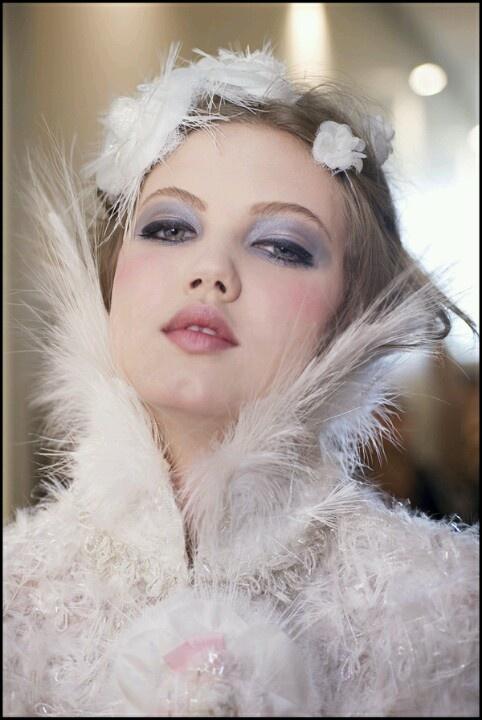 Winter Wonderland Wedding Makeup : 68 best images about Winter wonderland - photo shoot ideas ...