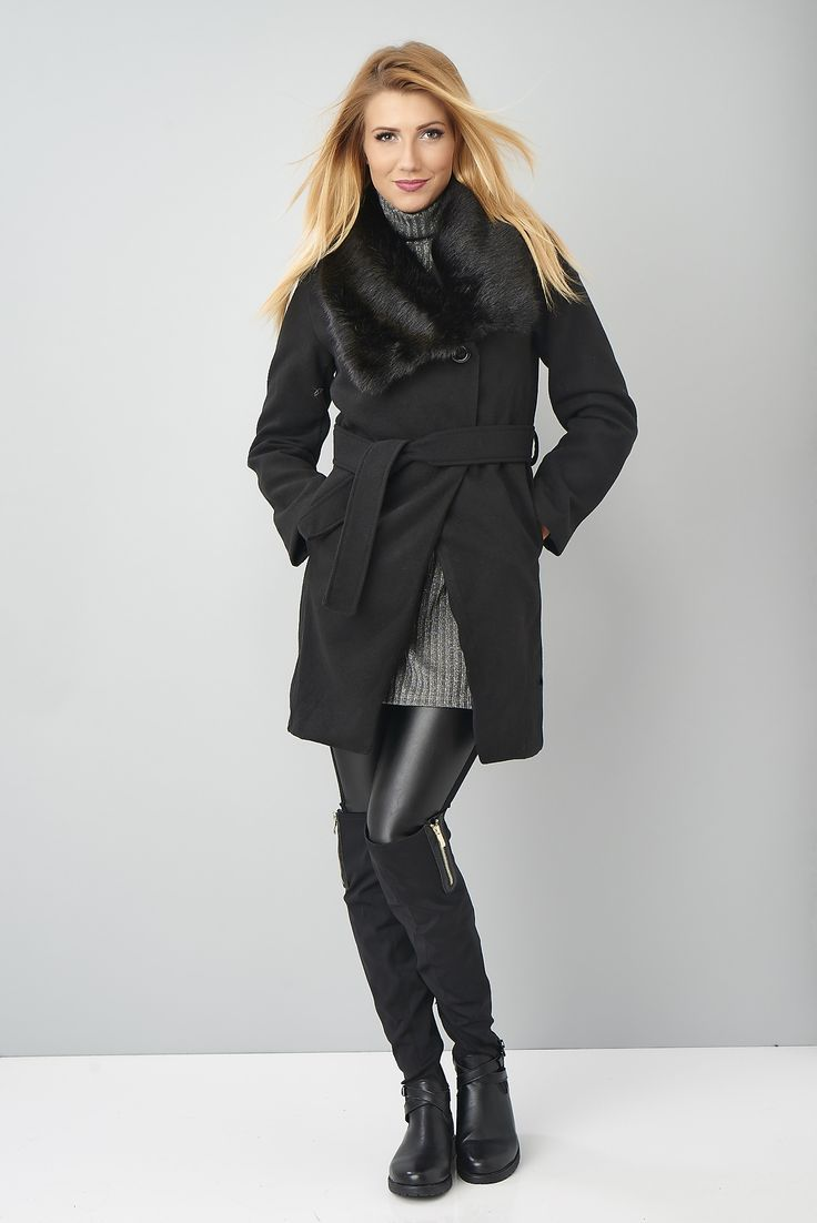 Les températures se rafraîchissent alors on se réchauffe avec ce joli manteau ay col fourrure #fakefur